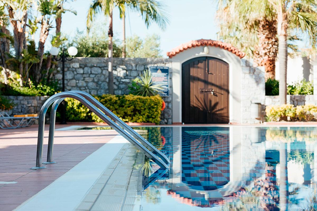 Η Πισίνα - Akti Taygetos - Conference Resort
