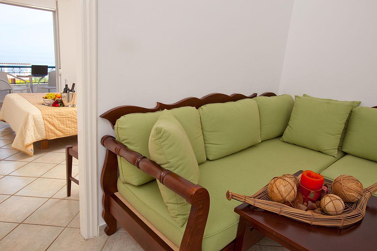 akti-taygetos-family-apartment-me-thea-thalassa-12